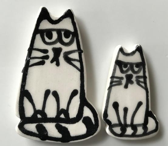 cat-sitting-x1