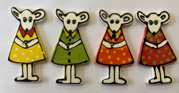 13062--mouse-with-dress