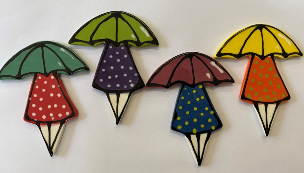52817--girl-with-umbrella